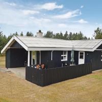 Hotelbilleder: Three-Bedroom Holiday Home in Blavand, Blåvand