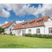 Fotografie hotelů: Ten-Bedroom Holiday home Hvalsø with Sea View 04, Kirke-Hvalsø