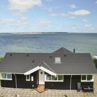 Hotel Pictures: Three-Bedroom Holiday Home in Roslev, Roslev