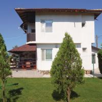 Hotelbilleder: Three-Bedroom Holiday Home in Krapets, Krapets