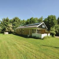 Hotel Pictures: Three-Bedroom Holiday Home in Oster Assels, Øster Assels