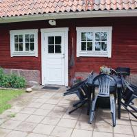 Photos de l'hôtel: Two-Bedroom Holiday home with a Fireplace in Landsbro, Asa