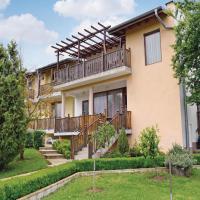 Hotelbilleder: Four-Bedroom Holiday Home in Village Fazanovo, Fazanovo