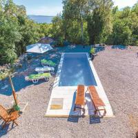 Hotellikuvia: Five-Bedroom Holiday home Kostrena with Sea View 07, Kostrena