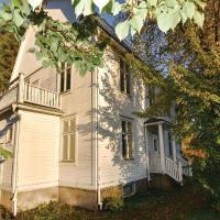 Photos de l'hôtel: Four-Bedroom Holiday Home in Likenas, Likenäs
