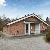 Hotel Pictures: Three-Bedroom Holiday Home in Herning, Herning
