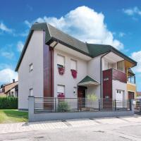 Hotellikuvia: Five-Bedroom Holiday Home in Velika Gorica, Velika Gorica
