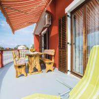 Hotel Pictures: Three-Bedroom Apartment in Bibinje, Bibinje