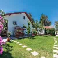 Фотографии отеля: One-Bedroom Holiday Home in Privlaka, Привлака