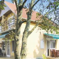 Hotelbilder: Holiday home Petöfi V-Balatonfenyves, Balatonfenyves