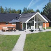Hotellikuvia: Holiday home Krondyrstien Væggerløse I, Bøtø By