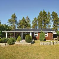 Hotellikuvia: Holiday Home Væggerløse with Fireplace IV, Bøtø By