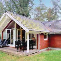 Hotel Pictures: Holiday home Stege 36 with Hot tub, Hegningen