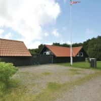 Hotel Pictures: Three-Bedroom Holiday Home in Fano, Fanø