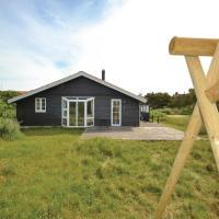 Hotellbilder: Three-Bedroom Holiday Home in Fano, Fanø