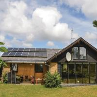 Hotel Pictures: Three-Bedroom Holiday Home in Romo, Sønderby