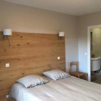 Hotel Pictures: Hôtel de la poste, Villeneuve-d'Allier