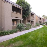 Hotel Pictures: Traditional Touch Condo, Scottsdale