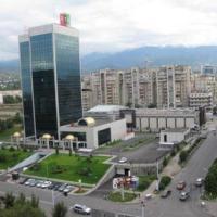 Hotellbilder: Уютная 3-комн. квартира Самал-2, 52, Almaty