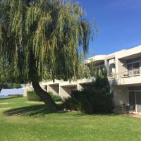 Hotel Pictures: Waterside Holiday Rentals Unit 31, Mulwala