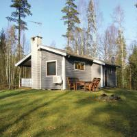 Photos de l'hôtel: Two-Bedroom Holiday home Unnaryd with a Fireplace 05, Almesjö