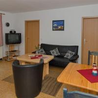 Hotelbilleder: Ferienwohnung-fuer-2-Erw-und-2-Kinder-bis-14-Jahre-auf-Ruegen, Groß Banzelvitz