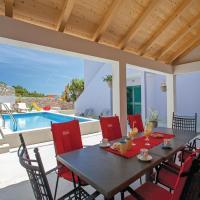 Hotellikuvia: Five-Bedroom Holiday home Zavalatica with Sea View 04, Zavalatica