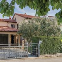 Hotellbilder: Two-Bedroom Apartment in Valbandon, Fažana