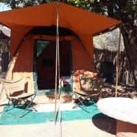 Hotellikuvia: BaseCamp Tented Camp, Outjo