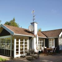 Hotel Pictures: Holiday Home Hornbæk with Hot Tub IX, Hornbæk
