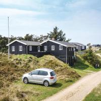 Fotos do Hotel: Three-Bedroom Holiday Home in Vejers Strand, Vejers Strand