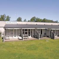 Hotel Pictures: Dueodde Feriepark Nexø IX, Strandby Gårde
