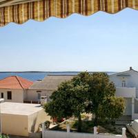 酒店图片: Apartment Mandre 3084b, Kolan