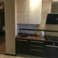 Hotel Pictures: Apartments on Salyutnaya, Chelyabinsk