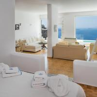 Honeymoon Suite with Private Pool and Caldera View