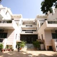 Zdjęcia hotelu: 1 BHK in DLF Phase 2, Gurgaon, by GuestHouser 16433, Gurgaon