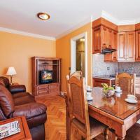 Hotel Pictures: One-Bedroom Apartment in Privlaka, Privlaka