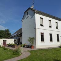 Hotelbilleder: Ferienwohnung Illbruckshof - ca. 120m², Moers
