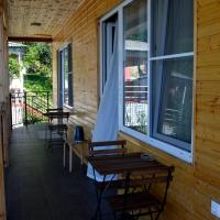 Hotellikuvia: Guest House on Kabardinskaya 107, Gagra