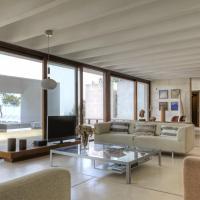 Hotel Pictures: Villa Es Raig, Es Figueral Beach