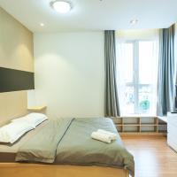 Zdjęcia hotelu: Infinity Edge Pool Apartment- Prince Residence, Ho Chi Minh