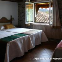 Hotel Pictures: Hostal-Restaurante La Choca, Lecina