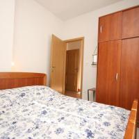 Hotel Pictures: Apartment Baska Voda 6703b, Baška Voda
