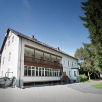 Hotel Pictures: Rodinný Penzion u Wolfů, Chrastava