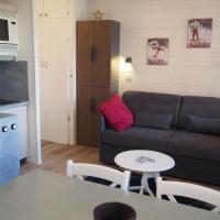 Hotel Pictures: Apartment Les lauzes 6, Les Menuires