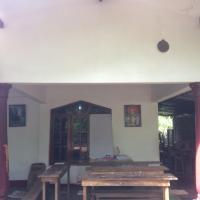 Hotel Pictures: Family room, Anuradhapura