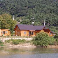 Fotografie hotelů: Lakeside Log Pension, Buan