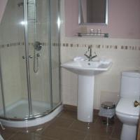 Twin Room with Private External Bathroom