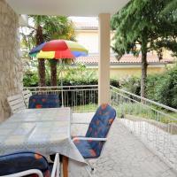 Foto Hotel: Apartment Dramalj 2397a, Dramalj