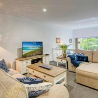 Hotellbilder: Palm Haven - Beachy Byron Townhouse, Byron Bay